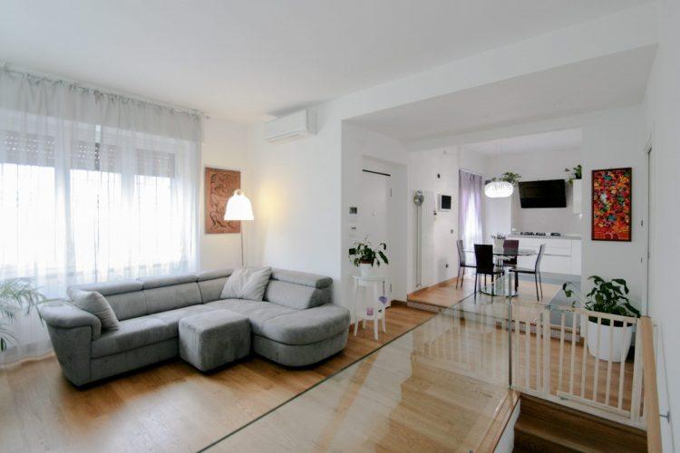 Living Room Cucina Bianco E Rovere